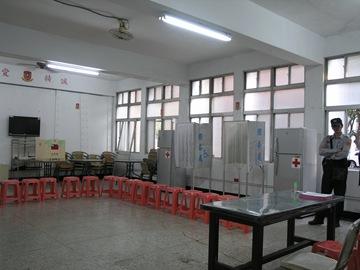空盪的投票室