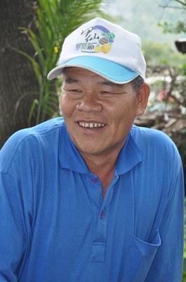 陳漢忠說,因為從事八八臨工讓他的視野得以擴展,開始�習為社區事務付出,感謝甲仙愛鄉協會的幫忙。蘇福男攝。