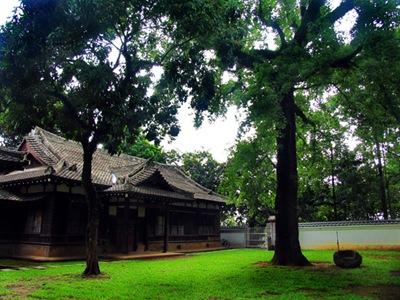 2-1嘉義公園內原嘉義神社的齋館與社務所建築,為日式書院造風格建築。