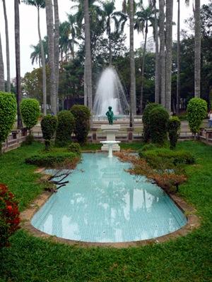 2-2日治時期所�置的尿尿小童水池為公園內唯一的西洋�園風格